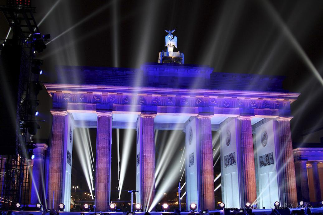 Berlin: Gedenkkonzert am Brandenburger Tor - Täter Anis Amri erschossen