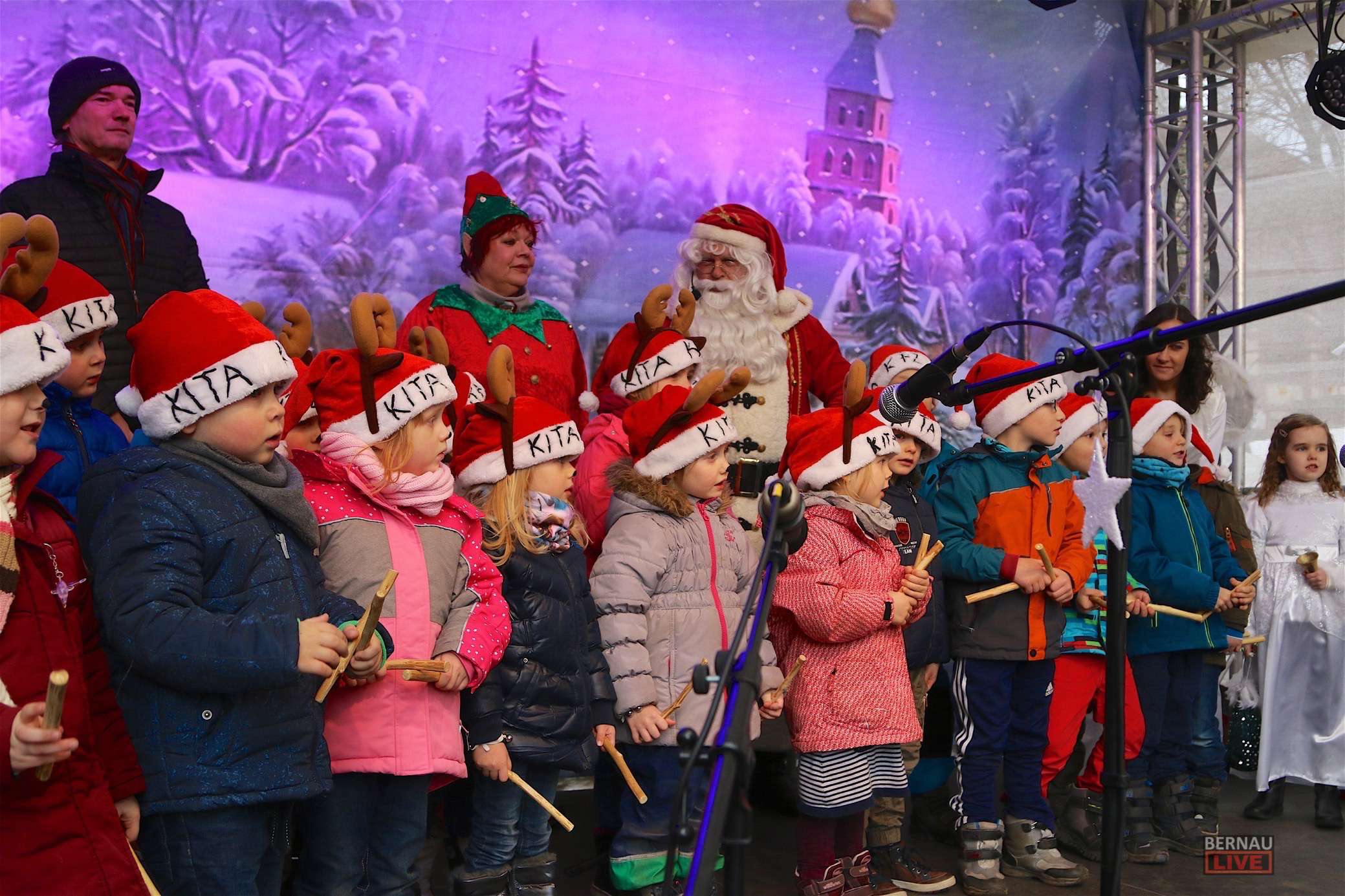 Weihnachtsmarkt in Bernau vor wenigen Minuten offiziell eröffnet