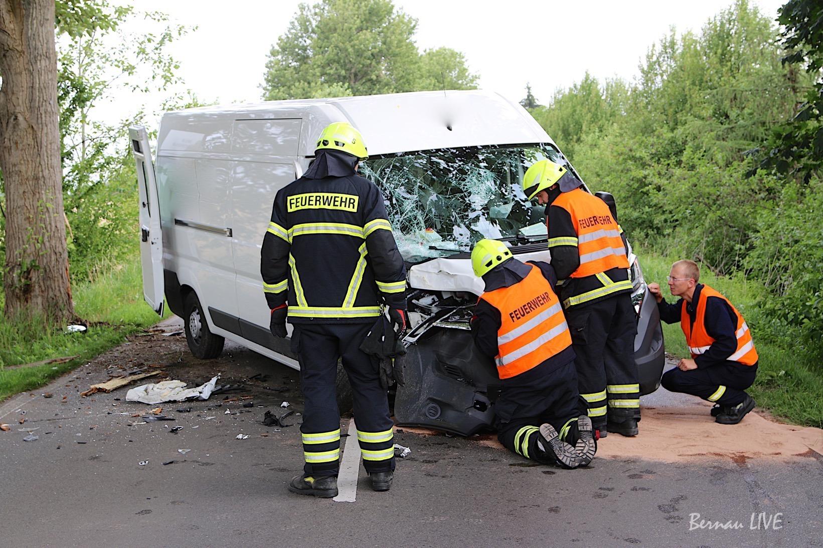 Verkehrsunfall Bernau, Unfall, Bernau, Feuerwehr, Feuerwehr Bernau, Barnim, Polizei, Bernau LIVE