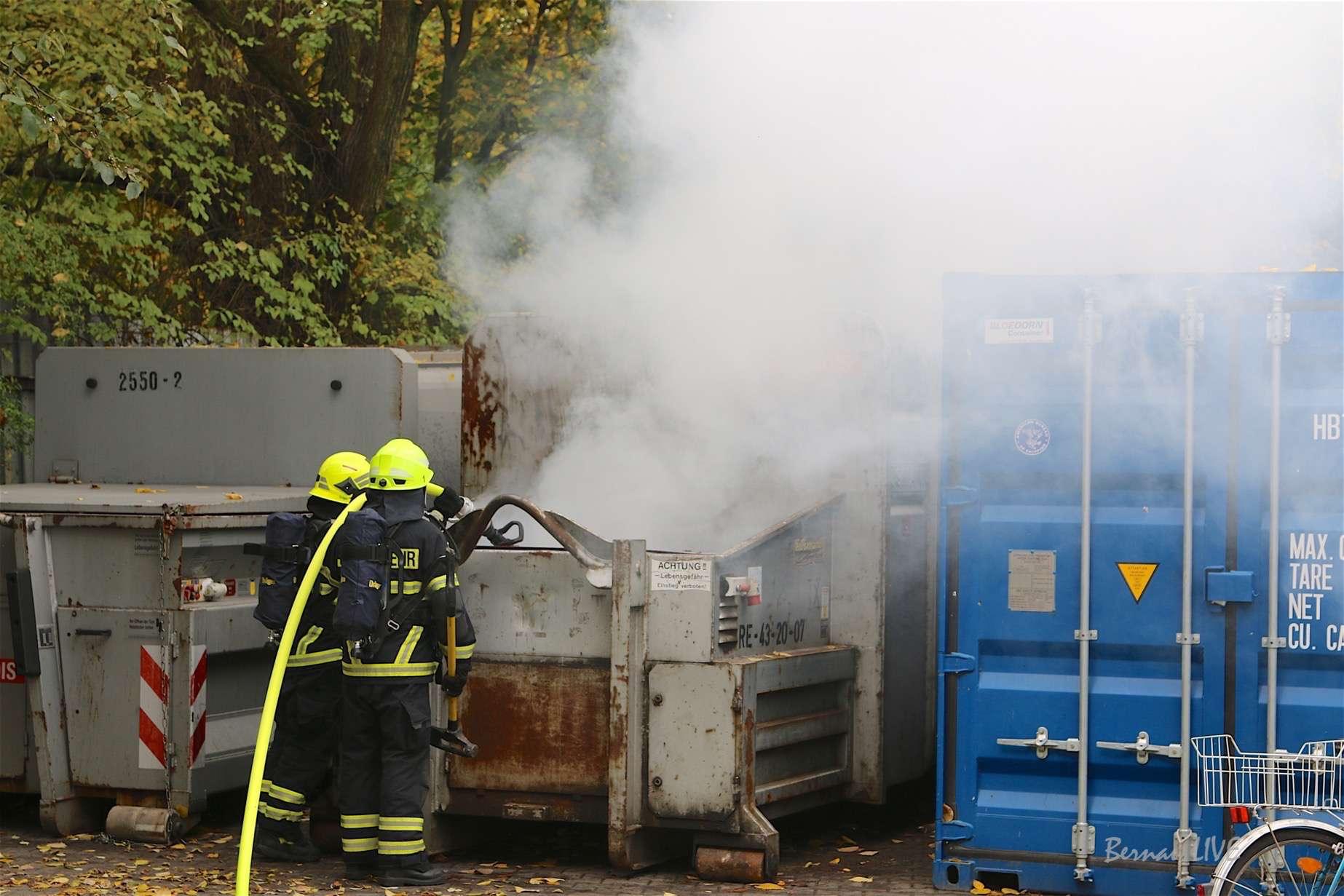 Bernau: Container-Brand in der Bahnhofspassage