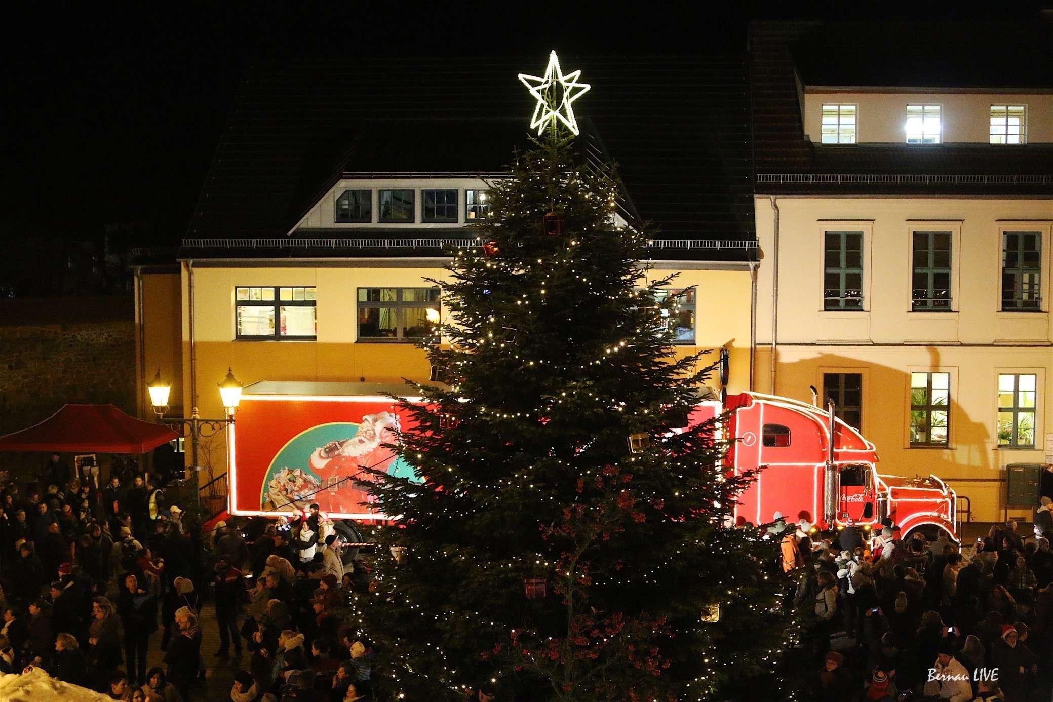 Coca Cola Weihnachtstruck in Bernau - Videos und Bilder • Bernau LIVE