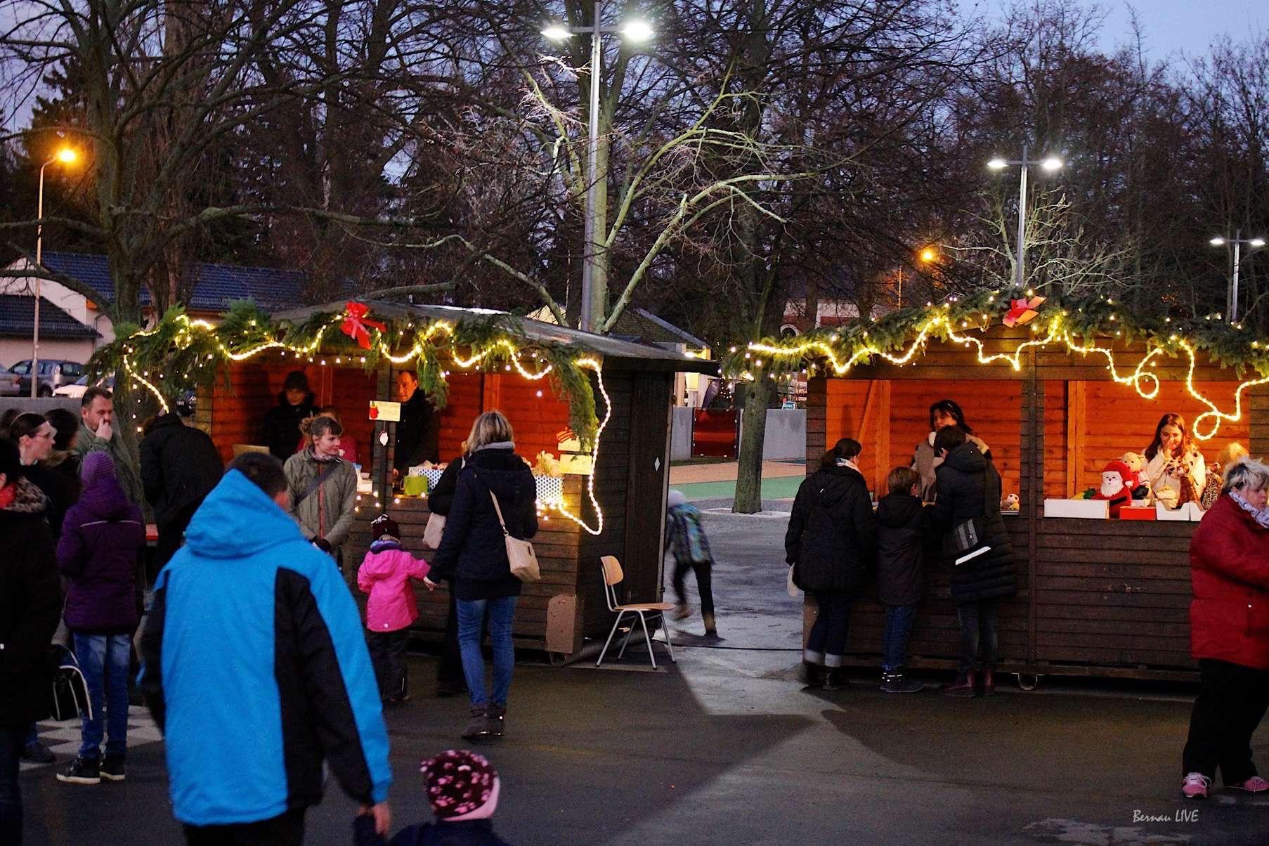 Weihnachtsmarkt in der Georg-Rollenhagen-Grundschule • Bernau LIVE