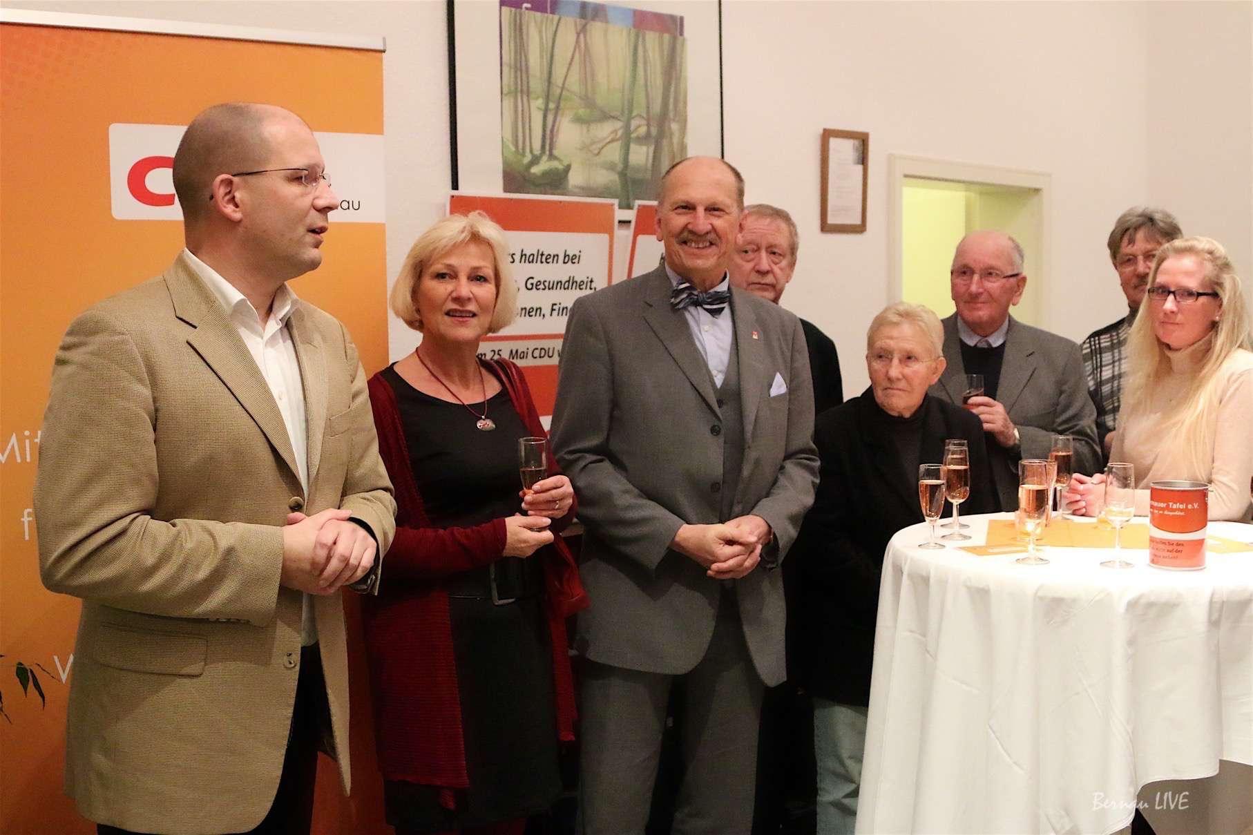 CDU Bernau: Mit einem Glas Sekt in der Hand zum Neujahrsempfang ...