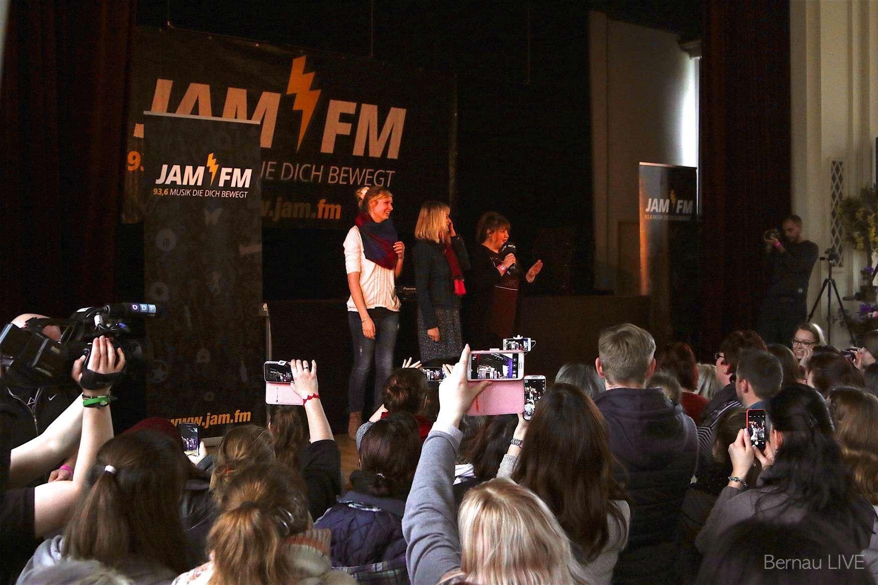 Bernau Kleiner Nachtrag JAM FM Schulhofkonzert im OSZ Barnim