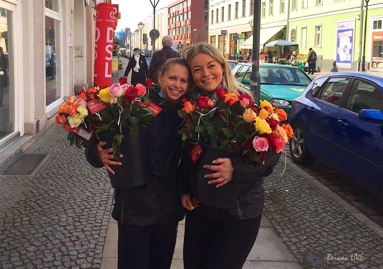 Photo of Bernau: Rosen für die Frauen unserer Stadt