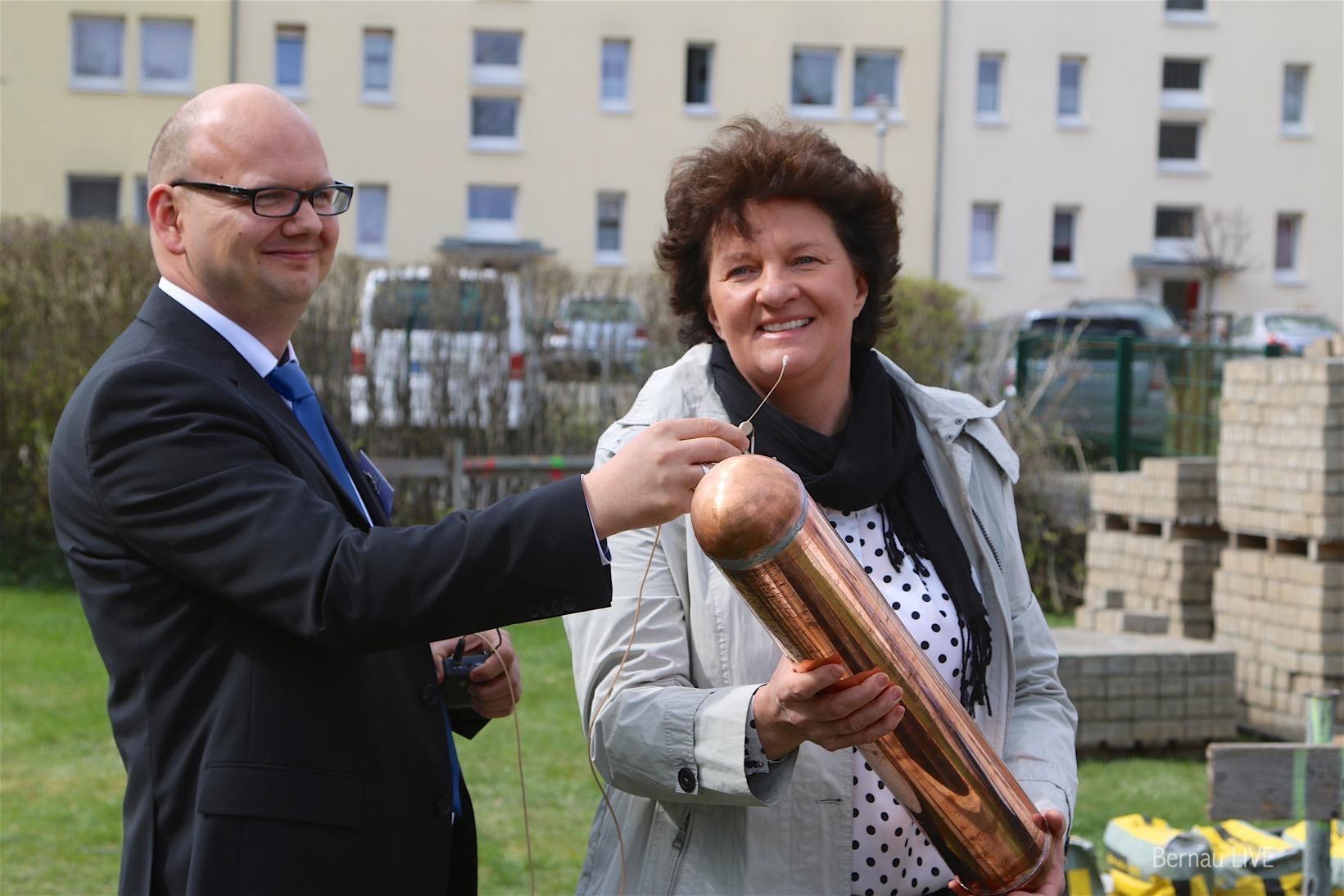 Bernau: Grundsteinlegung ifn schönow