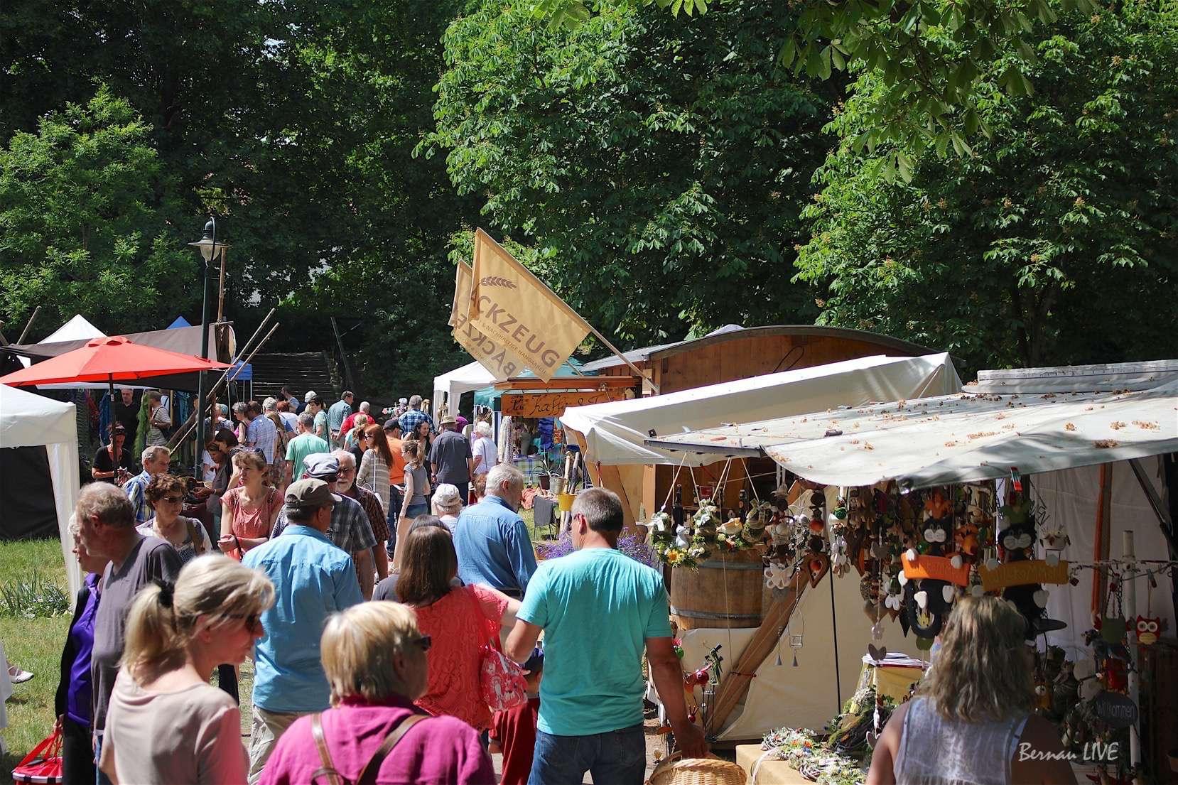 Bernau: Großer Ansturm zum Kunst- und Handwerkermarkt