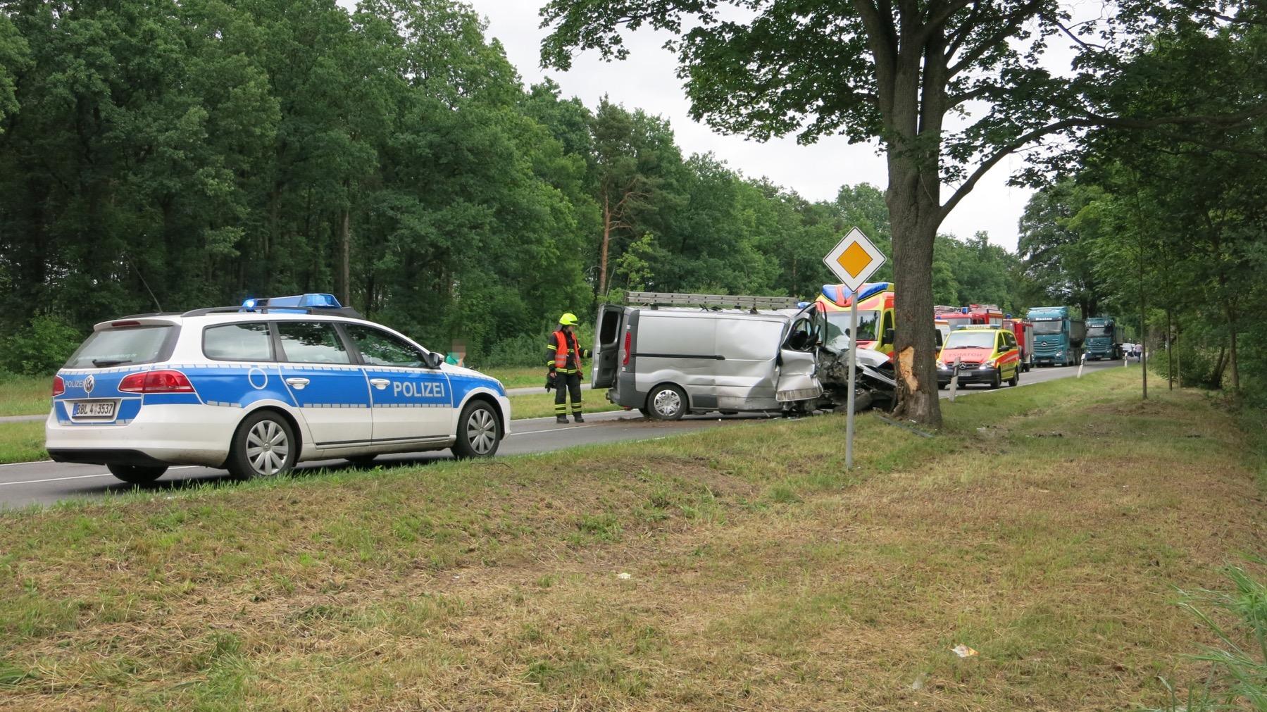Bernau - Schwerer Unfall in Schönow sorgte für Vollsperrung