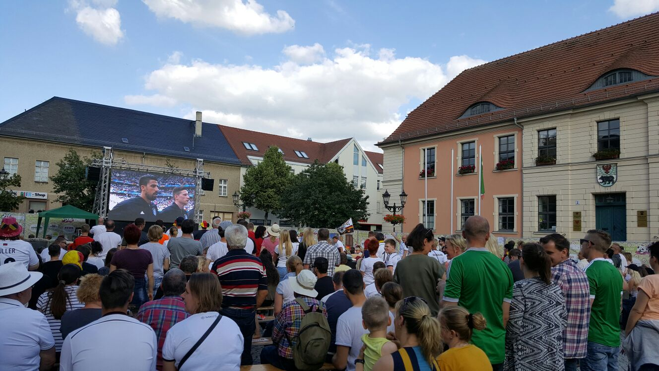 Bernau: Public Viewing