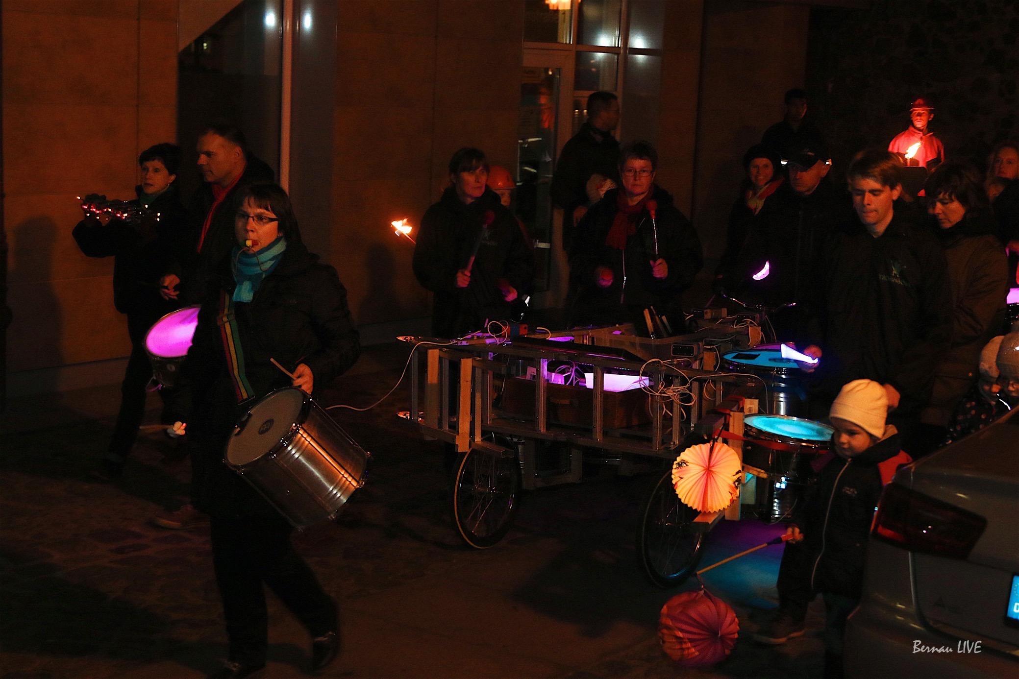 Bernau: Laternenumzug in Friedenstal: Bitte langsam fahren