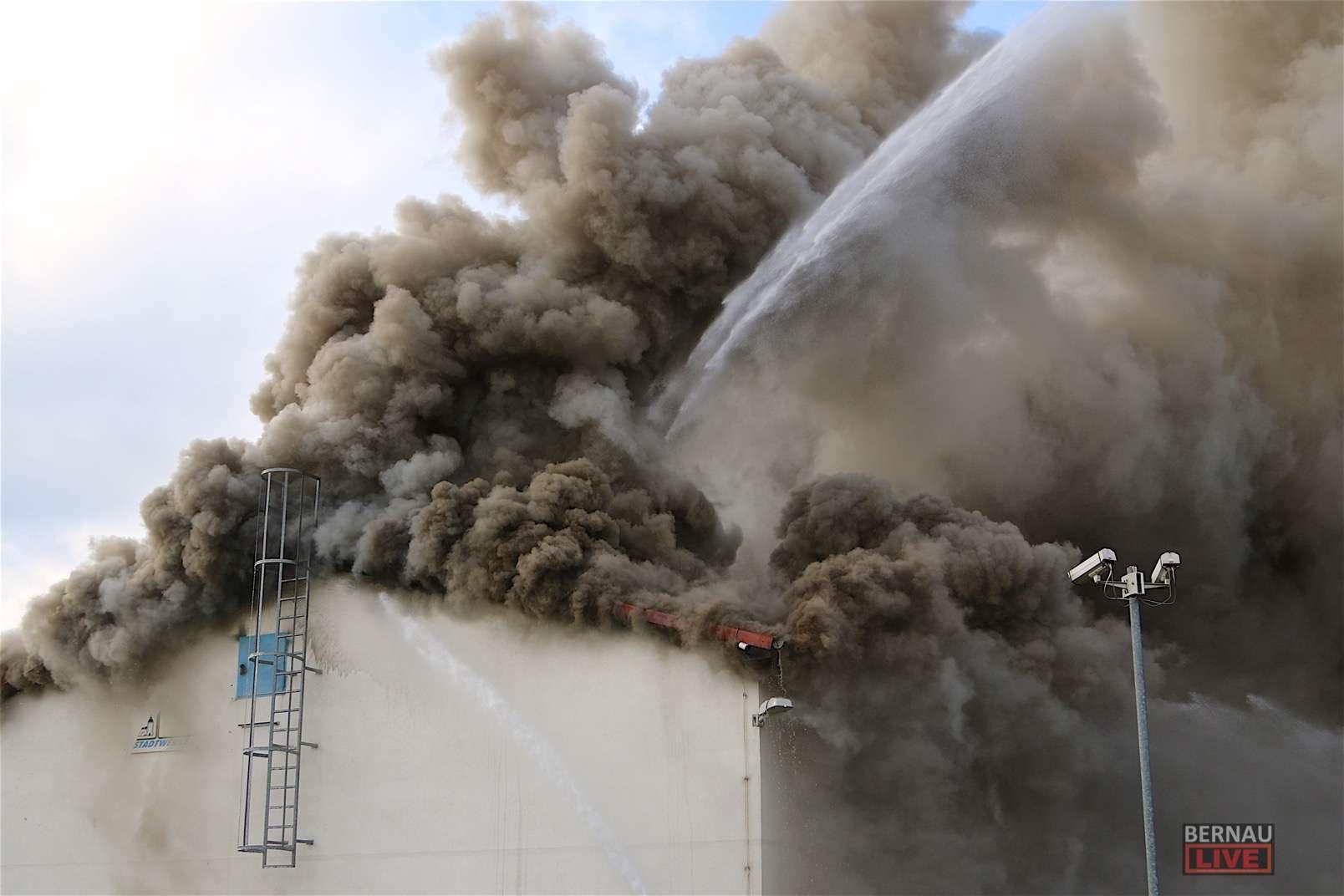 Bernau: Grossbrand im Blockheizkraftwerk in Friedensthal