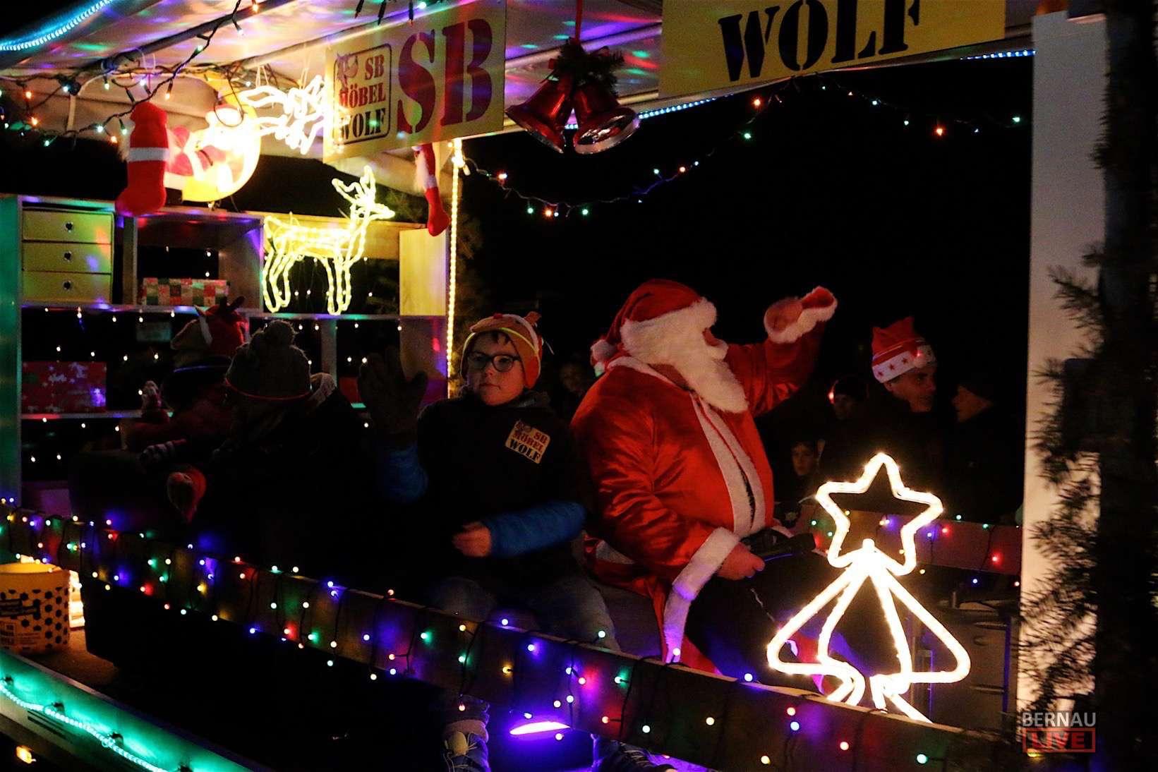 Nachtrag: Weihnachtsparade Zepernick - 4K Video und Bilder online ...