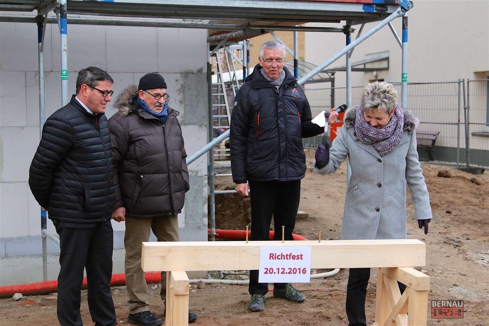 Die Stadtwerke Bernauer feiern Richtfest zum Erweiterungsbau