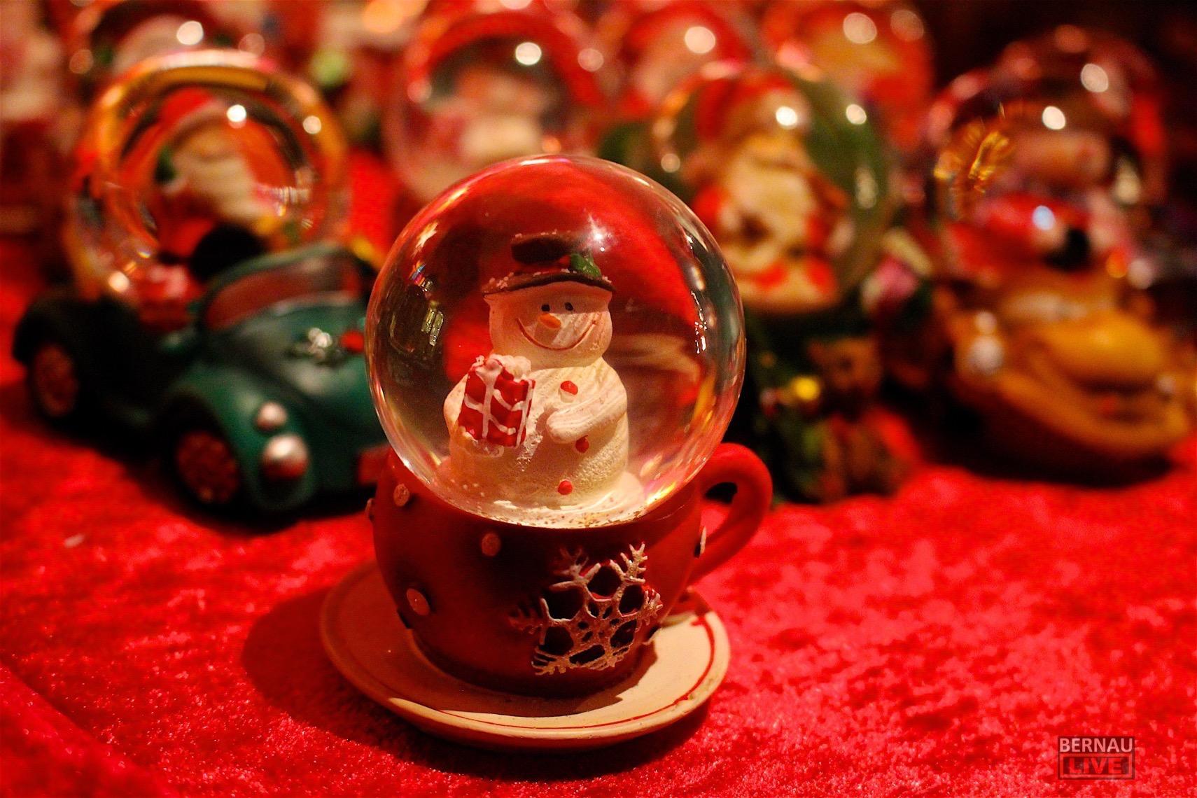 """Weihnachten im Schuhkarton"""" - Bernauer SchülerInnen machten mit"""