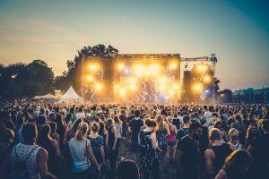 Lollapalooza - Berlin 2017 gastiert auf der Rennbahn Hoppegarten