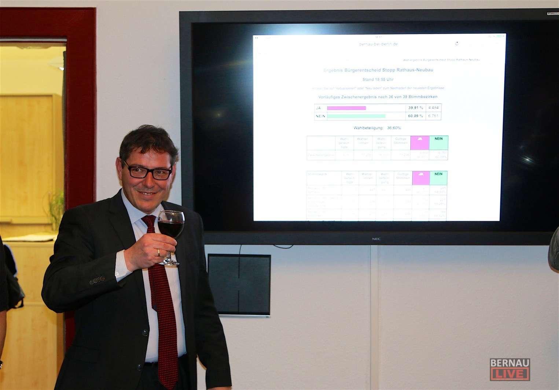 """Bürgerentscheid """"Stopp Rathaus-Neubau"""" gescheitert - Statement Bürgermeister"""