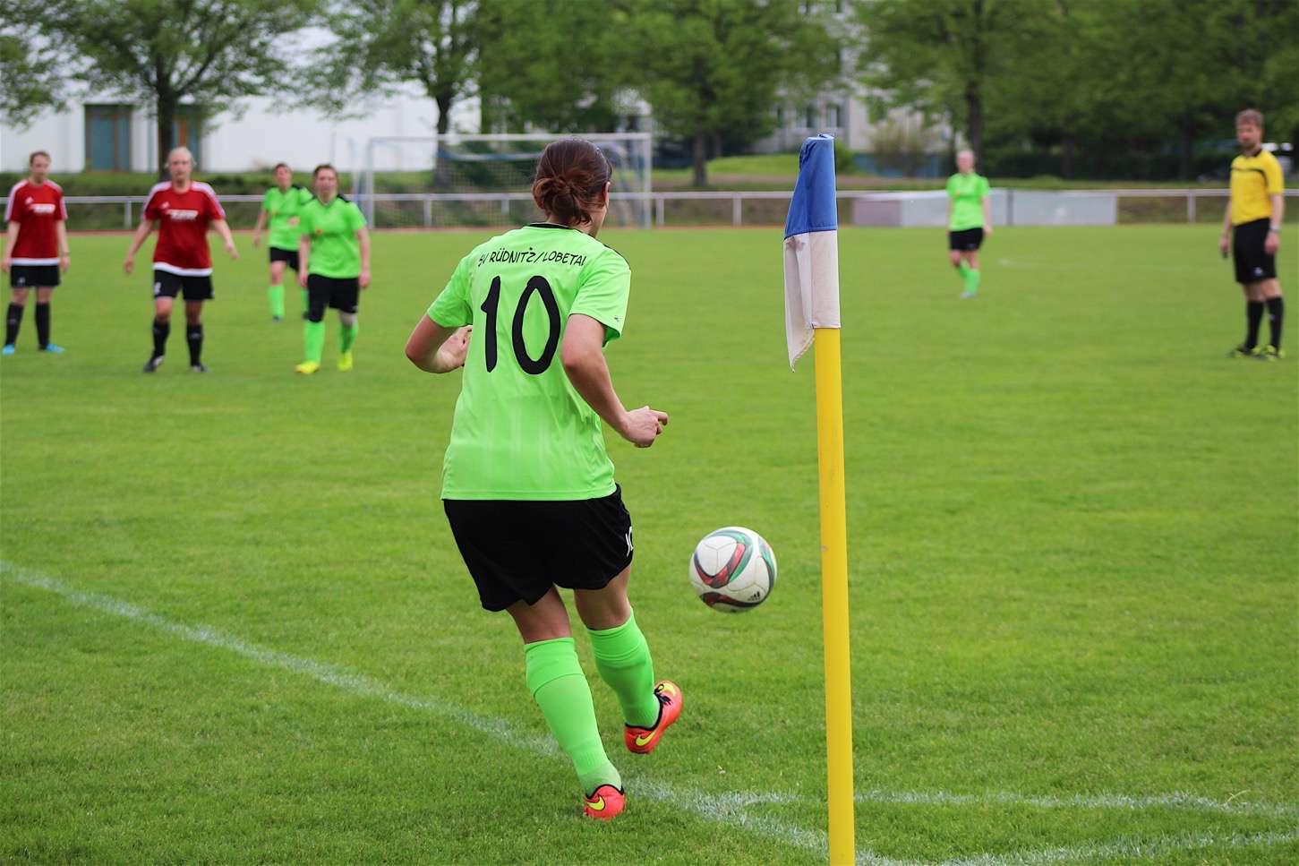 Große Freude beim Frauenfussball des SV Rüdnitz/Lobetal