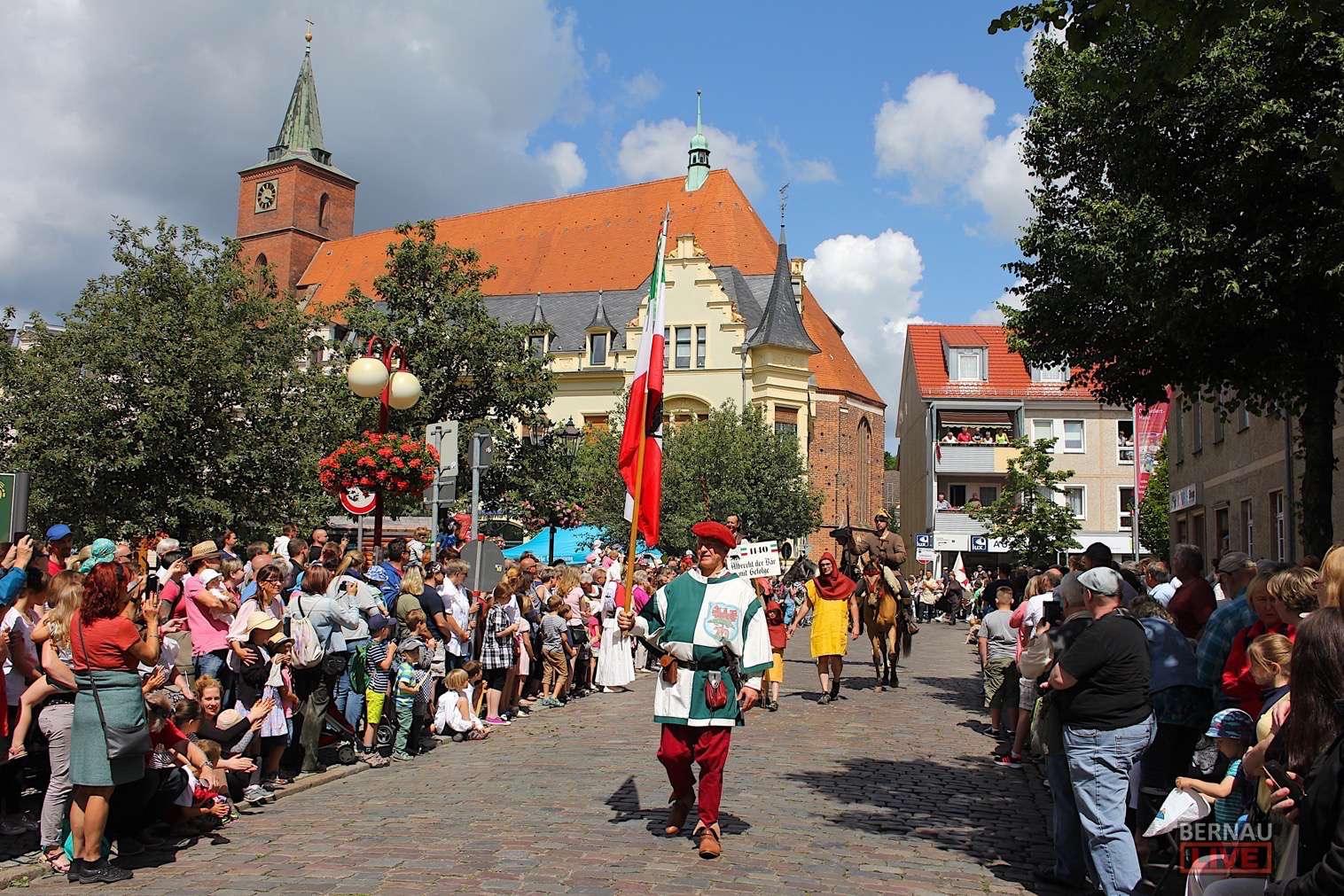 Hussitenfest Bernau - Video-Ausschnitte vom heutigen Festumzug