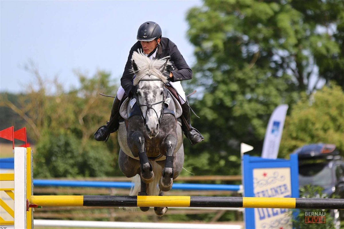 Spitzensport im Pferdesattel zog hunderte Besucher nach Ladeburg