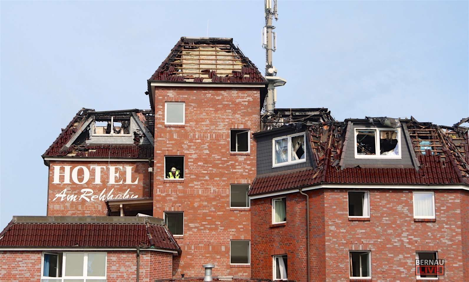 Der Tag Nach Dem Hotelbrand In Blumberg Kurze Bilanz
