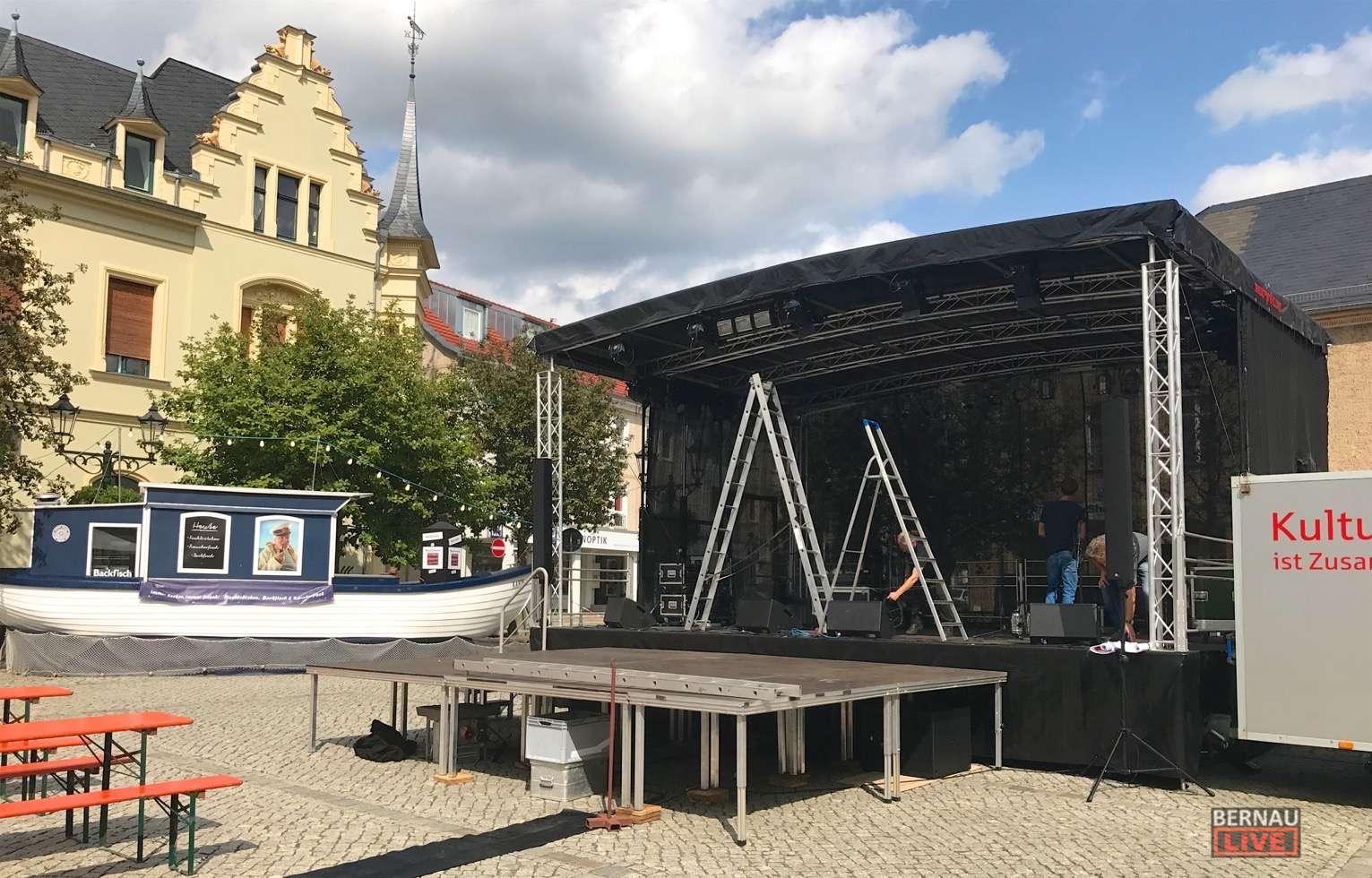 Bernau: Vorbereitungen zur heutigen Gauklernacht in vollem Gange