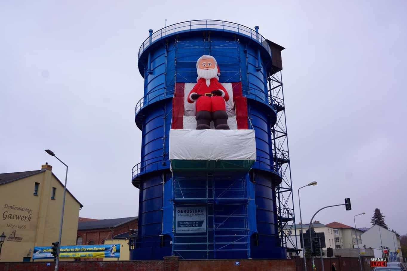 ist wieder da! Unser Weihnachtsmann am Gaskessel in Bernau