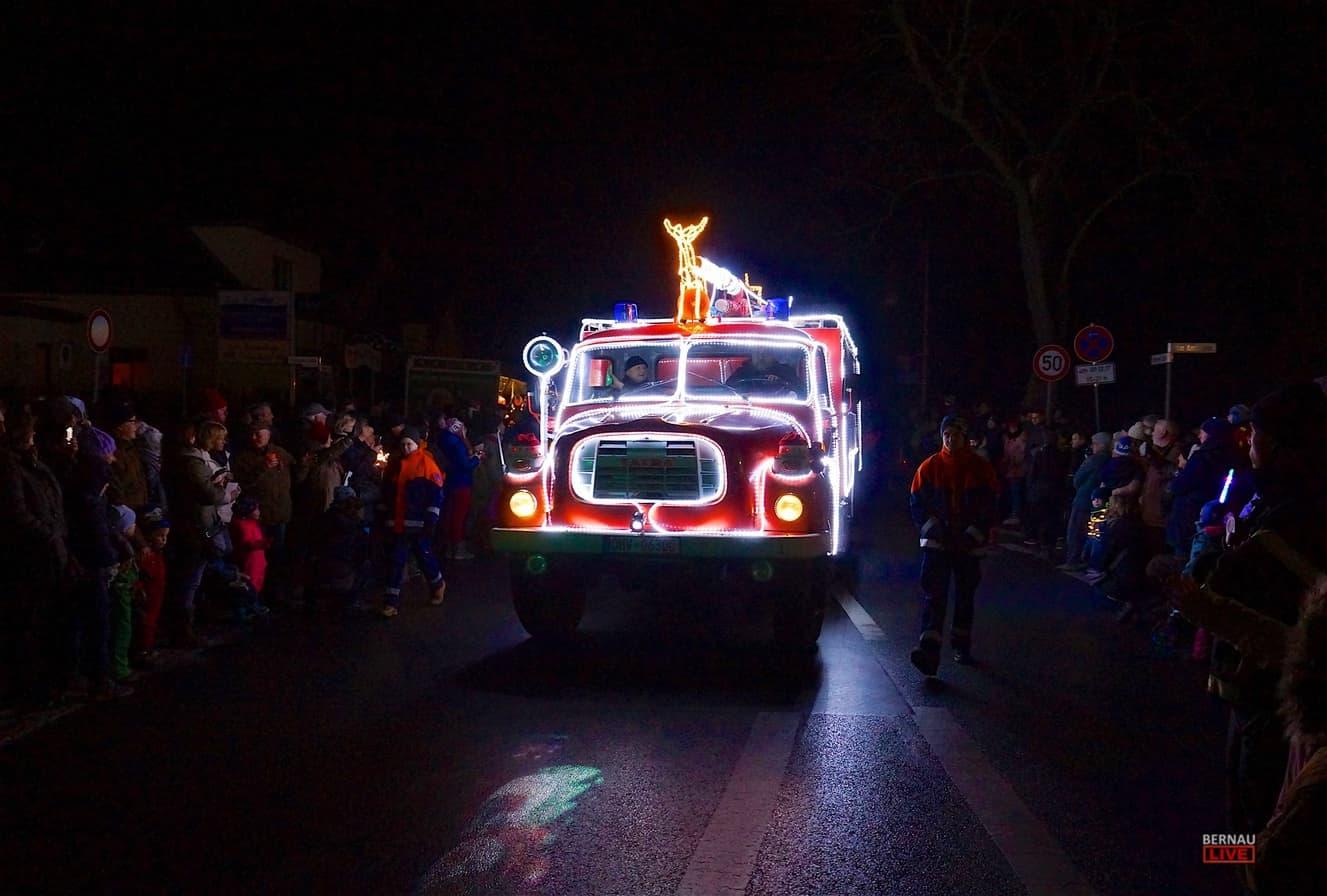 Tausende Zuschauer aus Nah und Fern säumten am heutigen Abend, in weihnachtlicher Vorfreude, die Strassen von Zepernick.