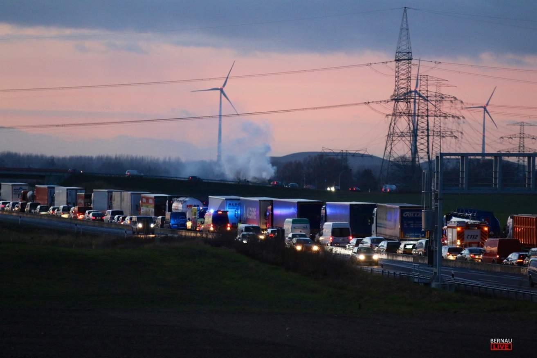 Feuerwehr-Großeinsatz auf der A10 am Dreieck Barnim