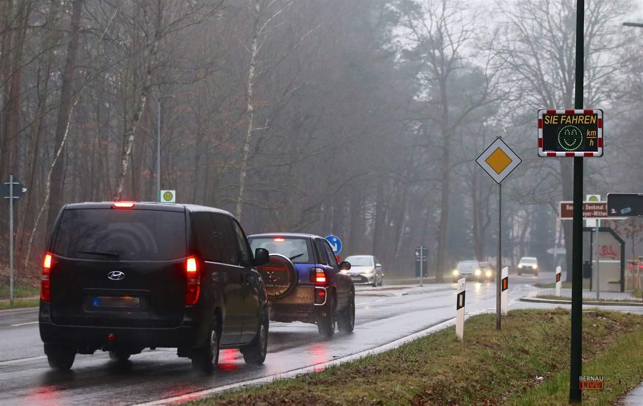 Bernau: Speed-Display an der Wandlitzer Chaussee zeigt Tempo an