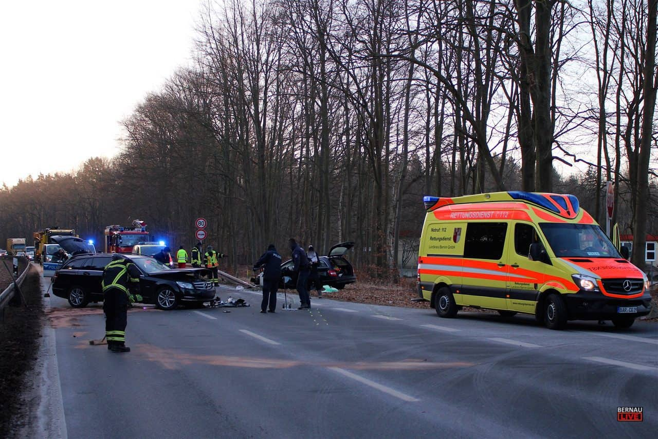 Bernau: Schwerer Verkehrsunfall sorgte für Vollsperrung der B273