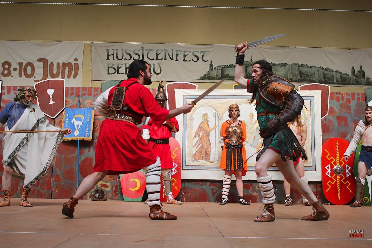 Heute noch bis 17 Uhr - Großes Schwertkämpfertreffen in Bernau