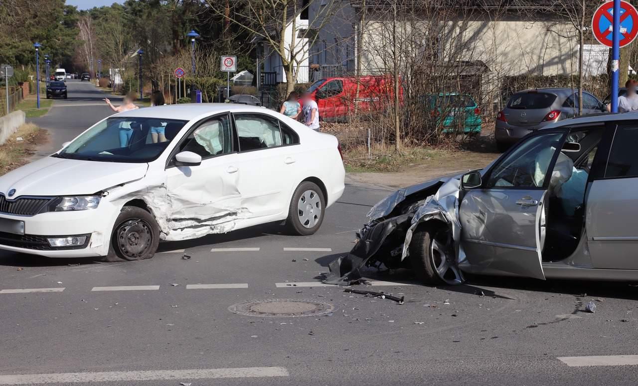 Barnim: Sechs verletzte Personen bei Unfall in Basdorf