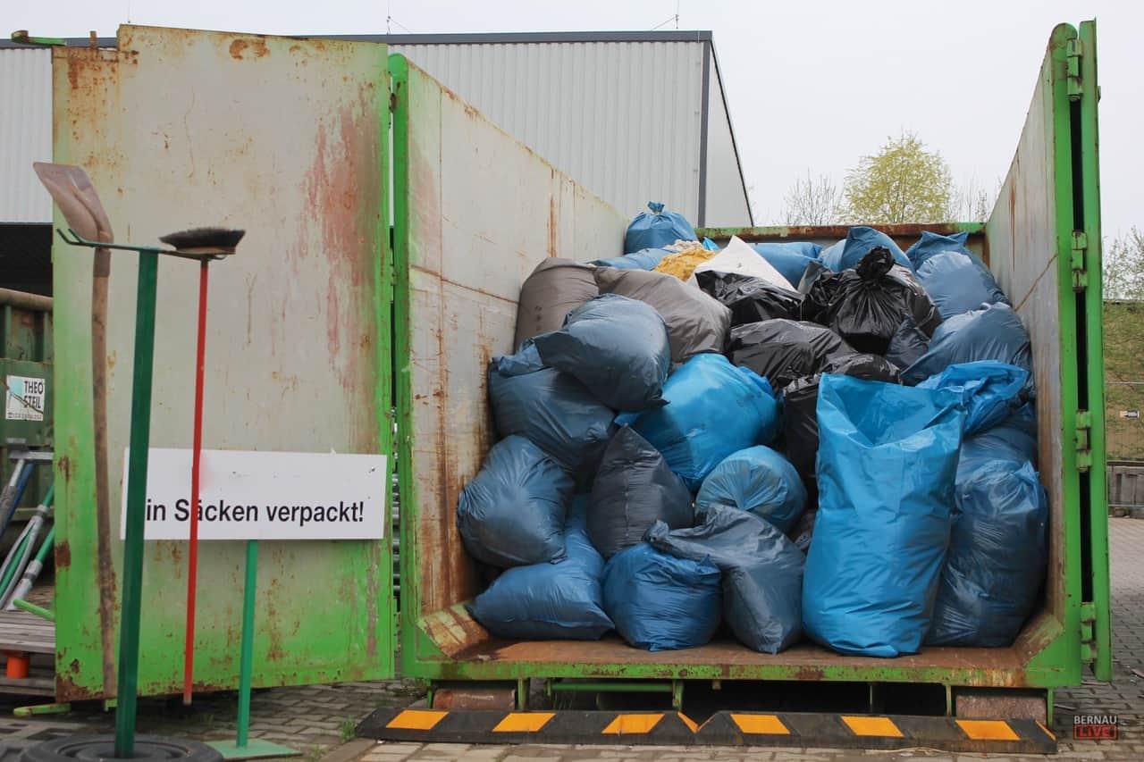 Sperrmüll Bernau als 2 200 menschen halfen beim frühjahrsputz in bernau
