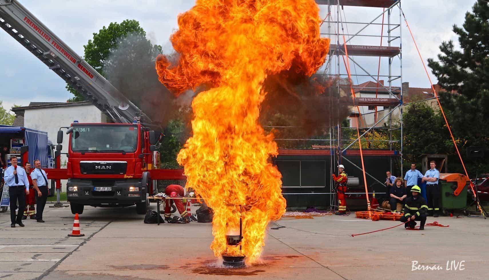 Tag der offenen Tür: Feuerwehr Bernau + Kita Angergang am 26. Mai 201