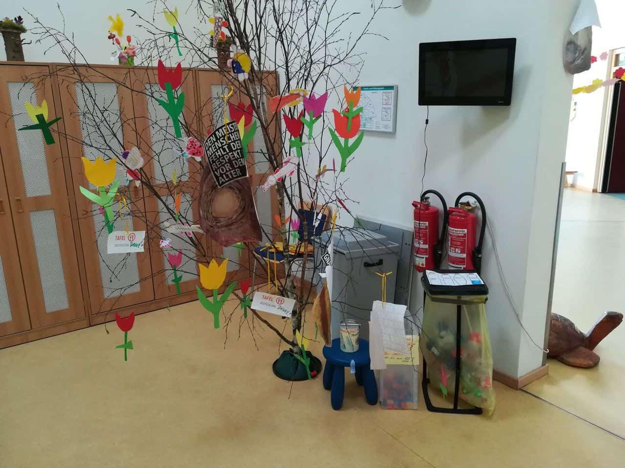 Kita Kleine Strolche - Pfandflaschen für die Tafel in Bernau