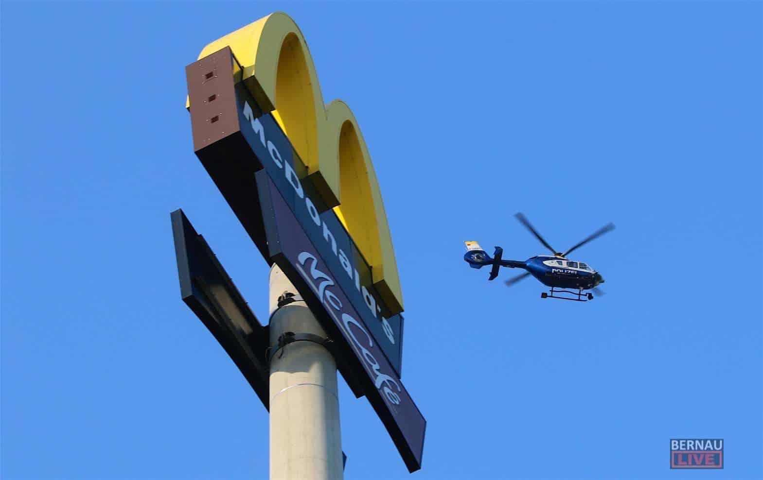 Barnim - Bernau: Polizei suchte Autodieb mit Hubschrauber - Unfallzeugen gesucht
