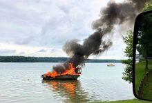 Boot am Werbellinsee ausgebrannt - eine Person schwer verletzt