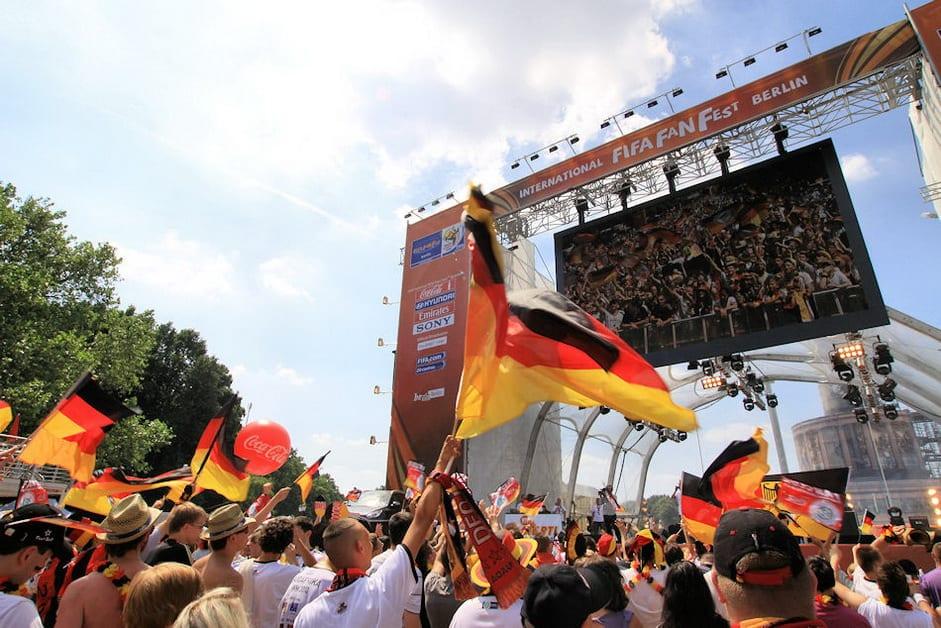 Public Viewing auf der Berliner Fanmeile zum Finale der Fußball-WM 2018
