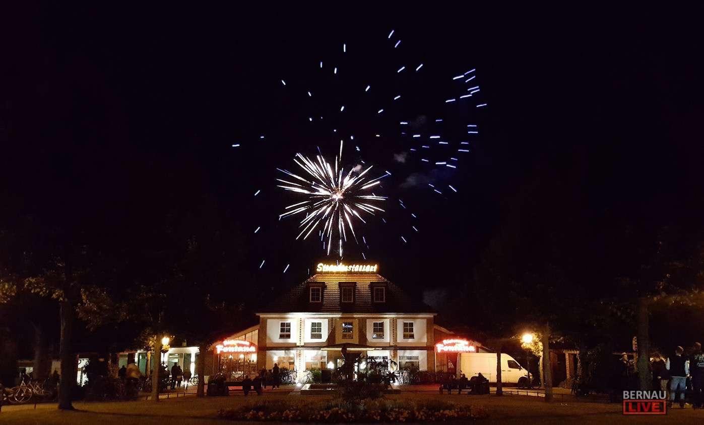 Am Samstag: Strandbad Party in Wandlitz mit STAMPING FEET