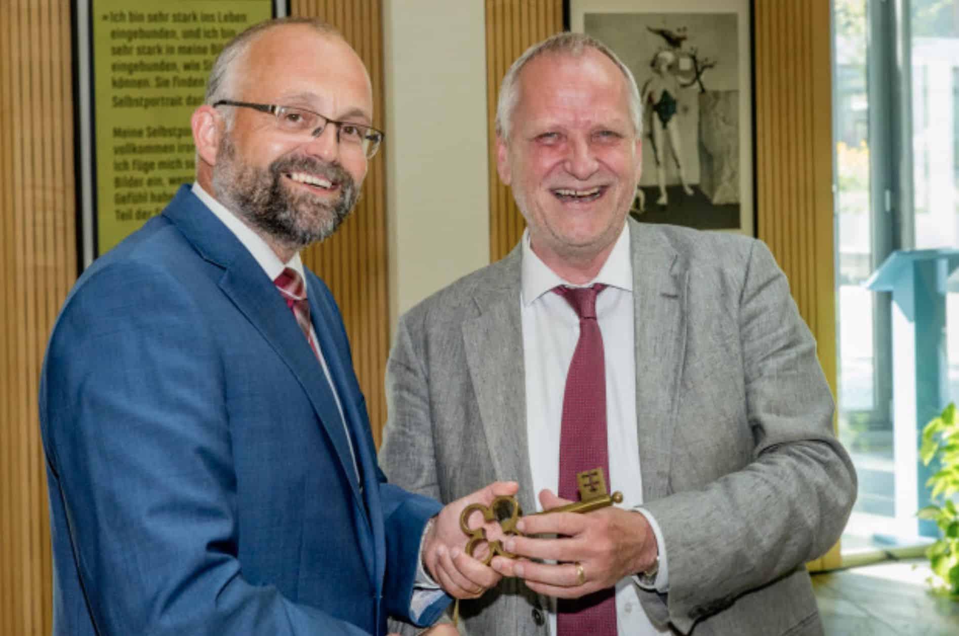 Daniel Kurth als neuer Barnimer Landrat vereidigt - Dienstantritt am ...
