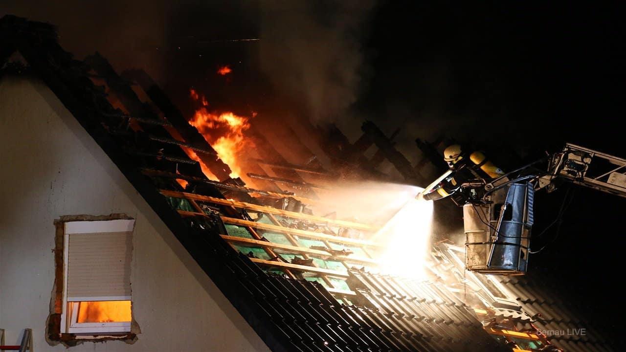 Hausbrand: Nächtlicher Großeinsatz der Feuerwehren in Melchow