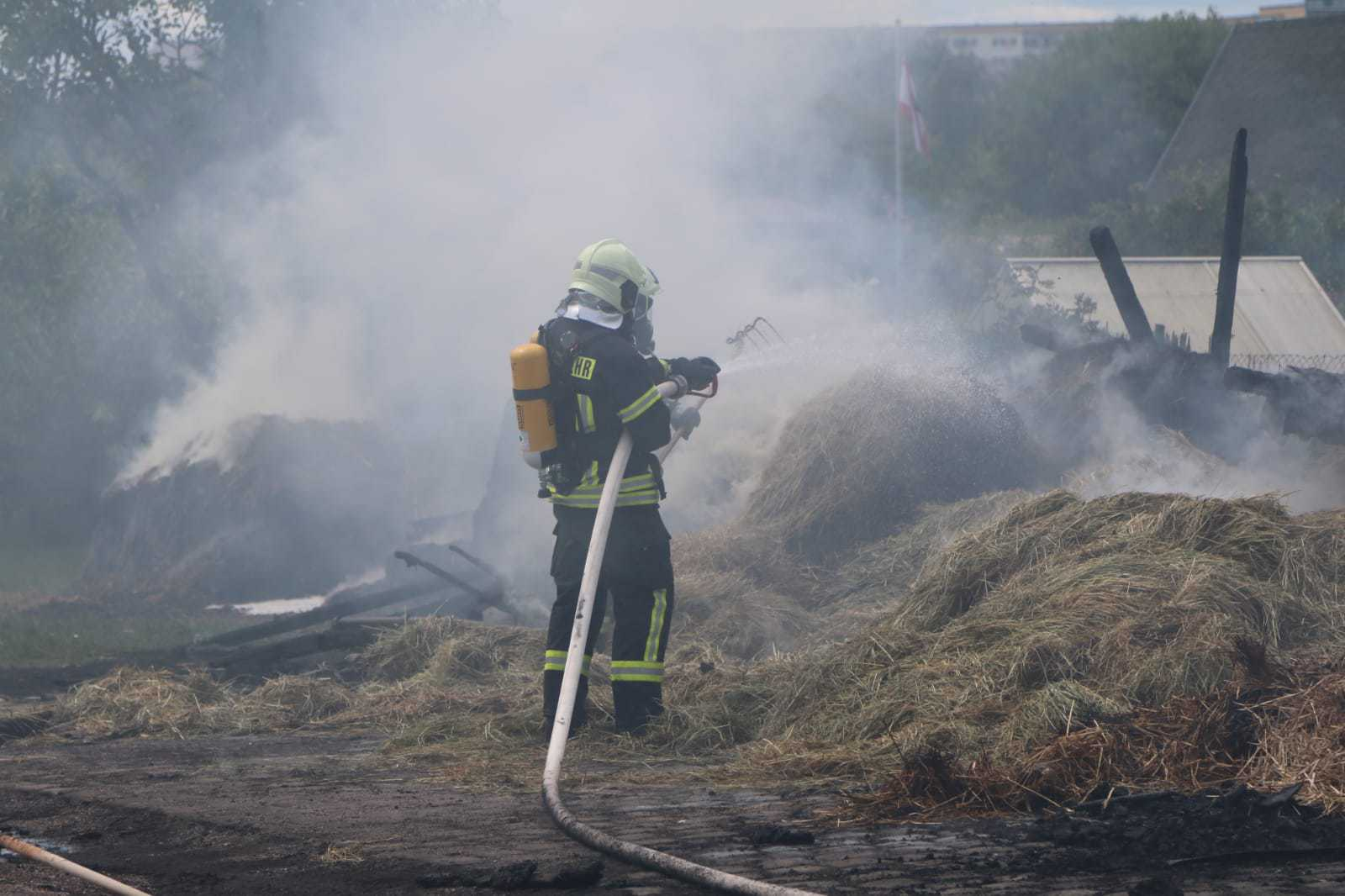 Kleinere Scheune in Ahrensfelde-Eiche komplett niedergebrannt