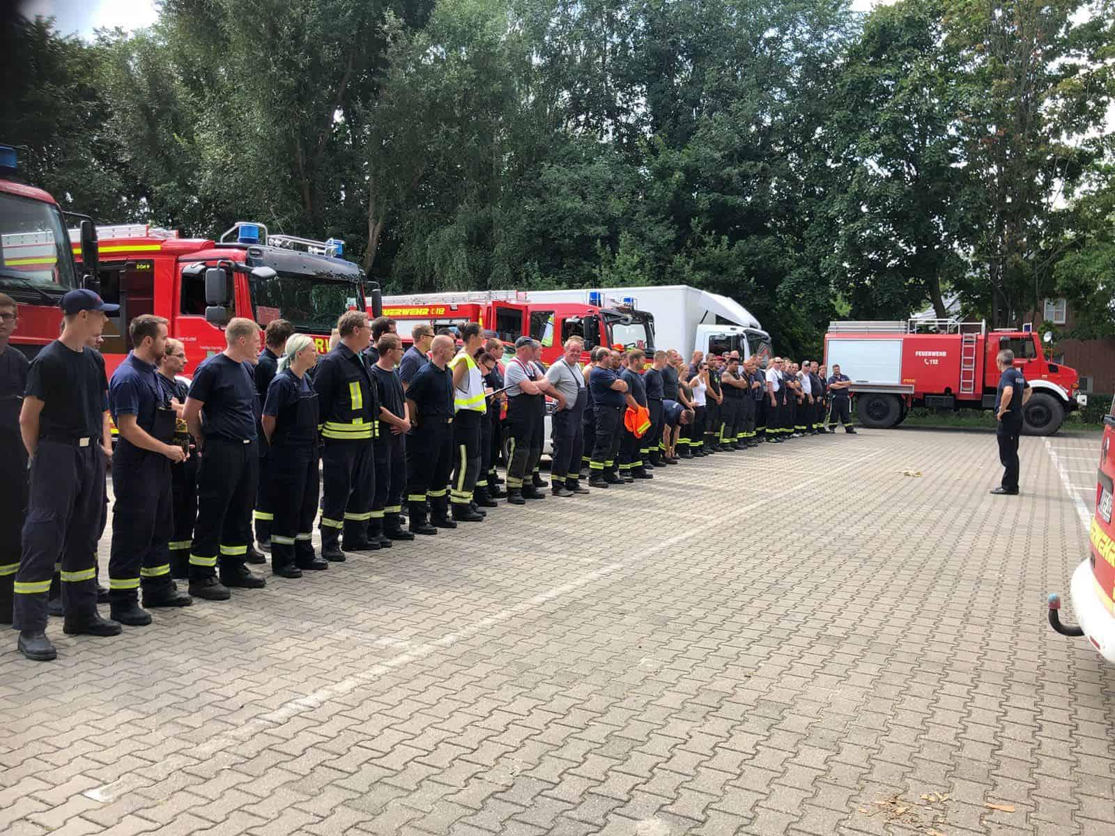 Feuerwehren Aus Barnim Helfen Beim Waldbrand In Fichtenwalde