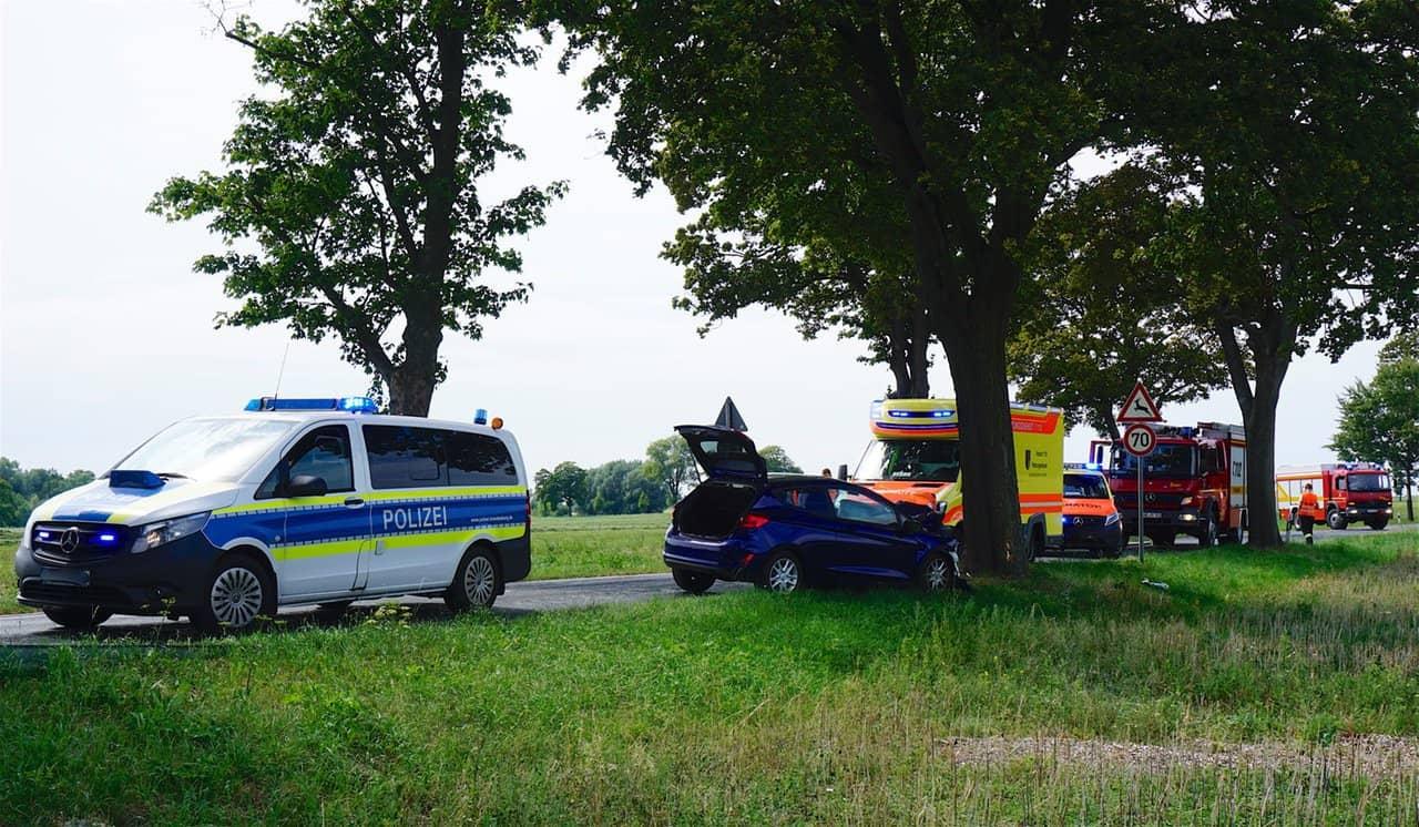 Schwerer Verkehrsunfall zwischen Bernau und Willmersdorf