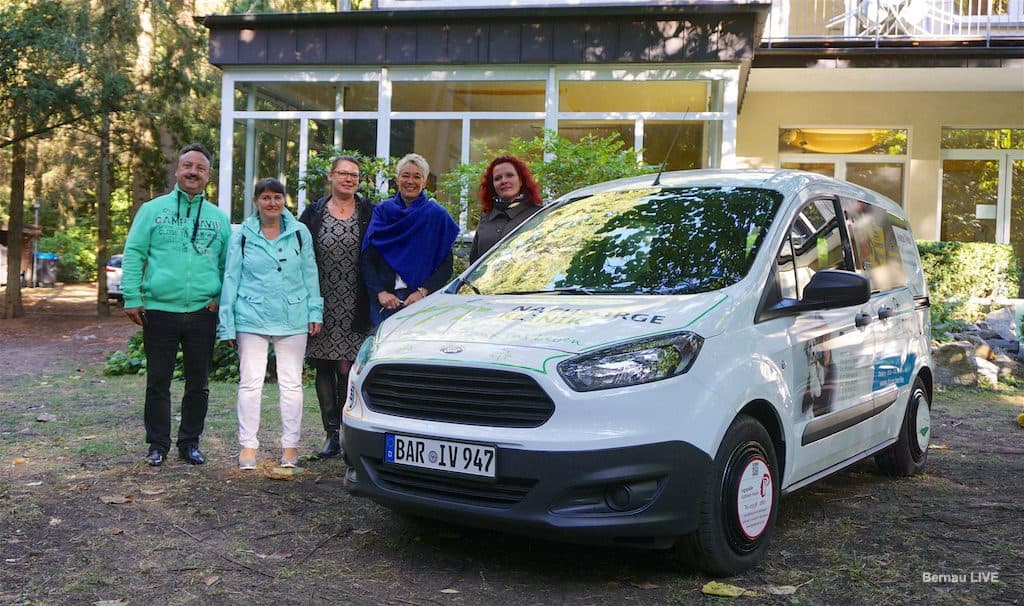 Bernau: Kindernachsorgeklinik erhielt dank Sponsoren neues Fahrzeug