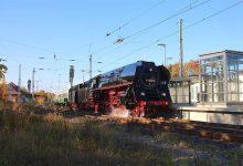 Schnellzug-Dampflokomotive - Kurzbesuch am Bahnhof Bernau