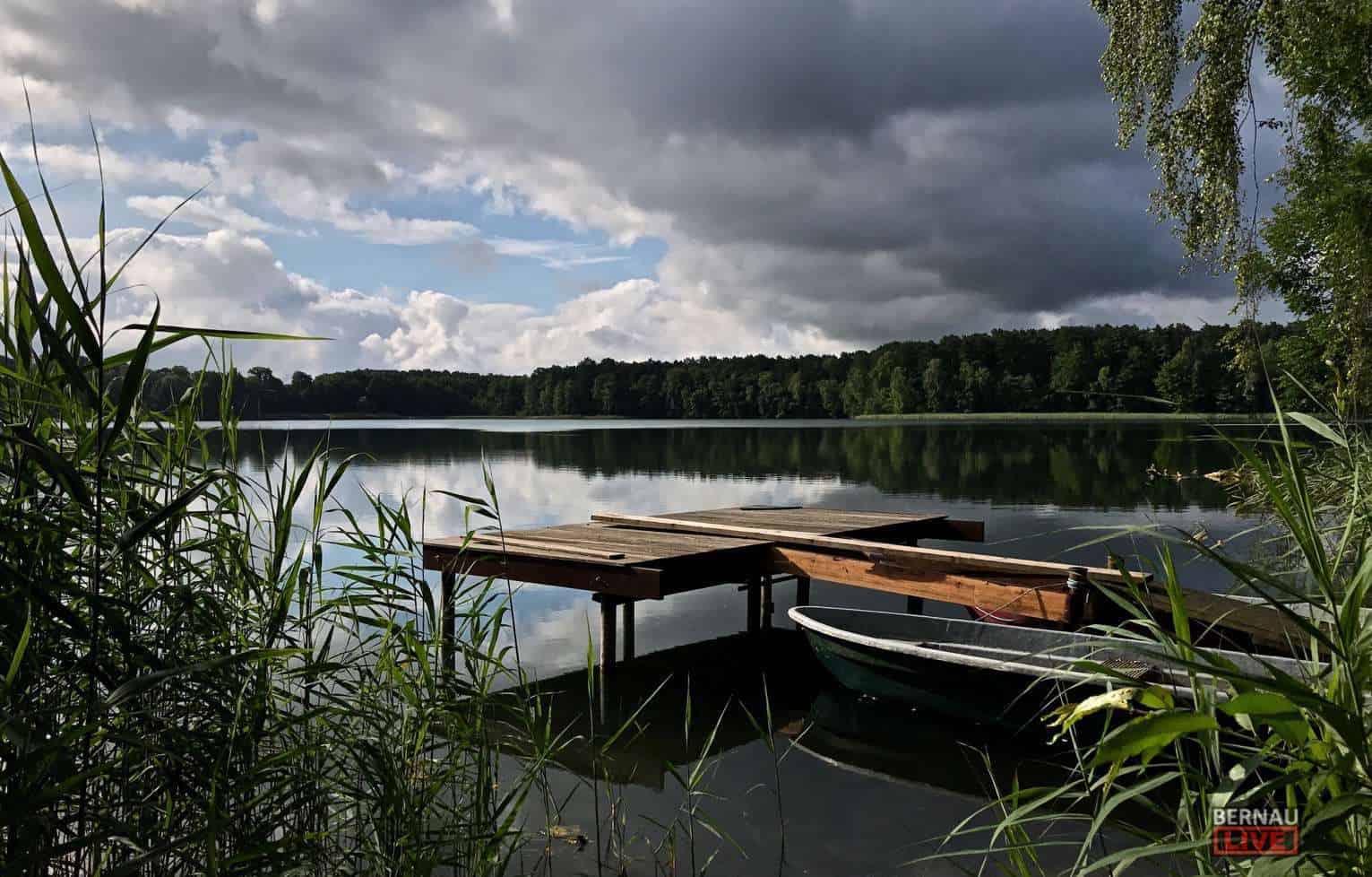 Bernau - Barnim: Wir wünschen Euch einen schönen schönen und ruhigen Feiertag