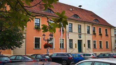 Verkehr in Bernau: In der Innenstadt werden Stromkabel verlegt