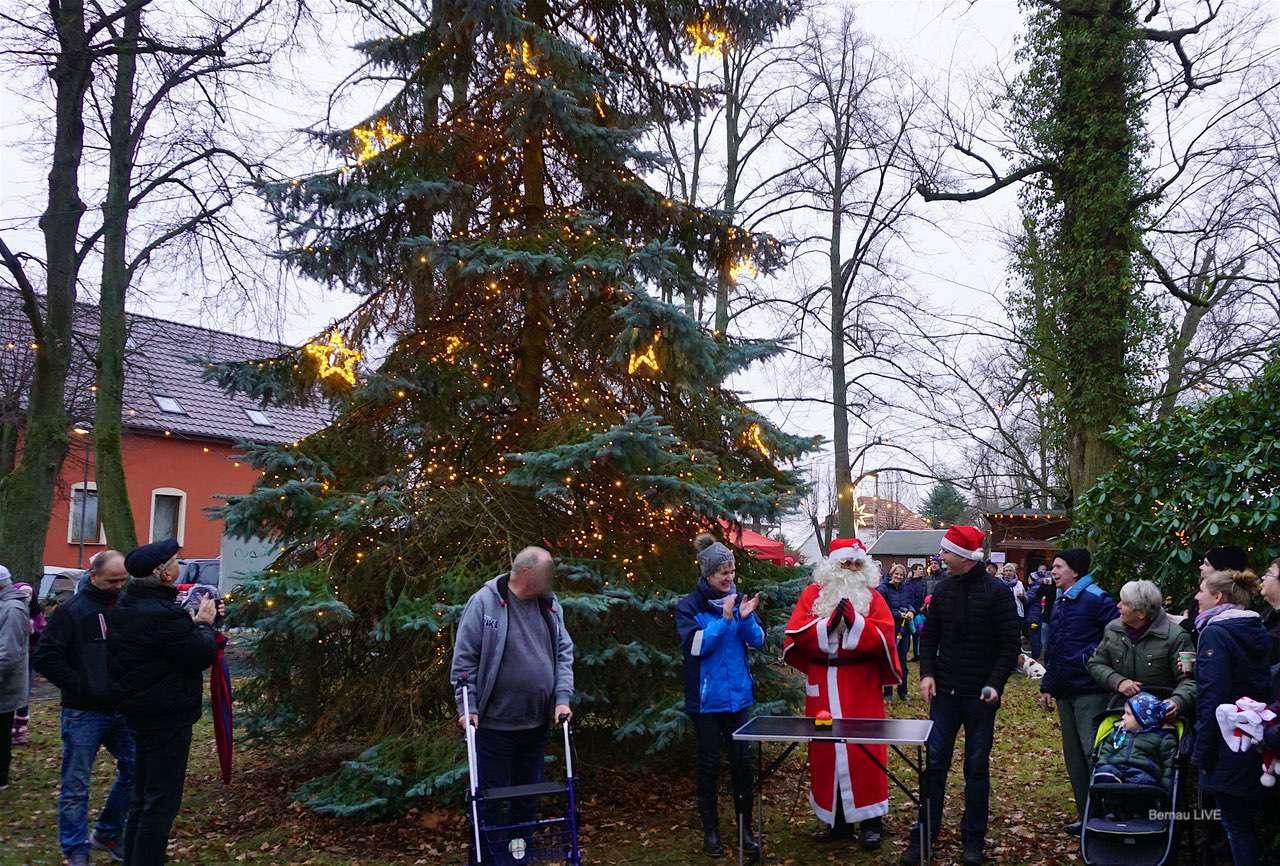 Weihnachtsmarkt in Bernau Ladeburg offiziell eröffnet