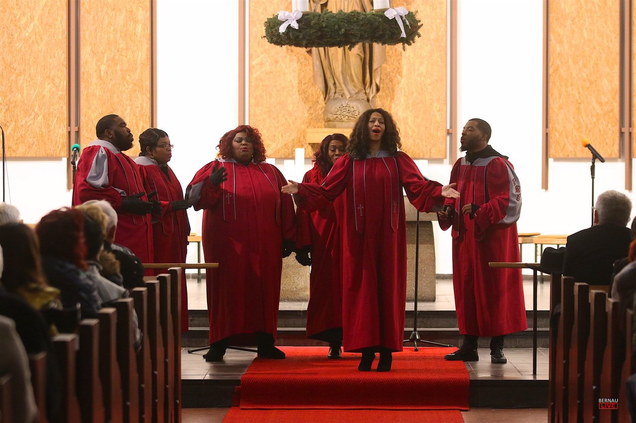 New Yorker Glory Gospel Singers LIVE in der Herz-Jesu-Kirche Bernau